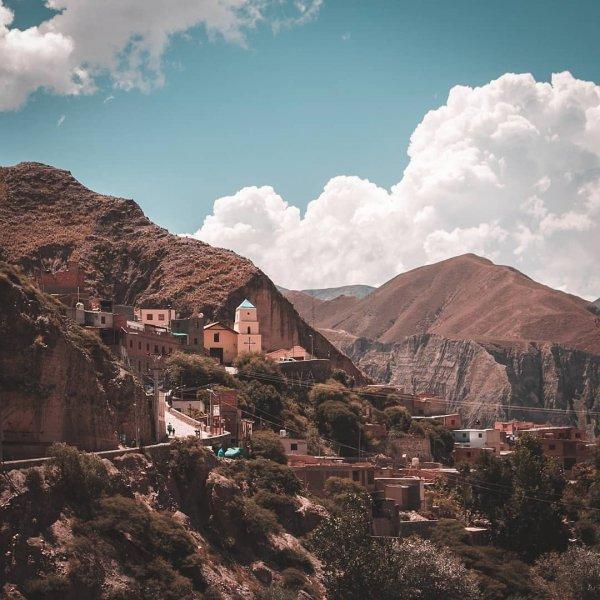 Mountainous landforms, Sky, Mountain, Cloud, Town,