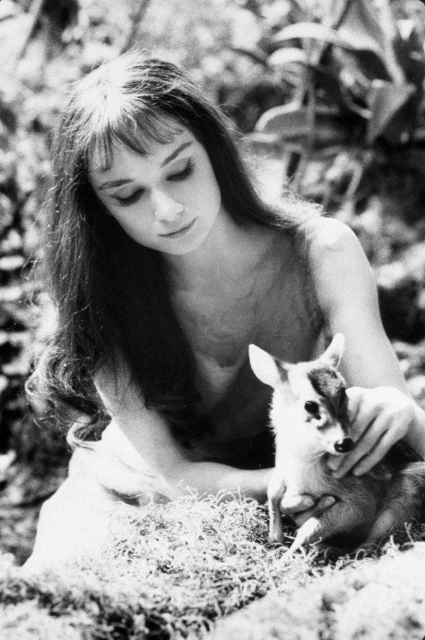 photograph, black, black and white, monochrome photography, girl,
