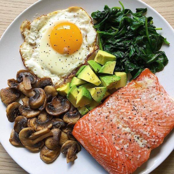 Dish, Fried egg, Food, Cuisine, Ingredient,