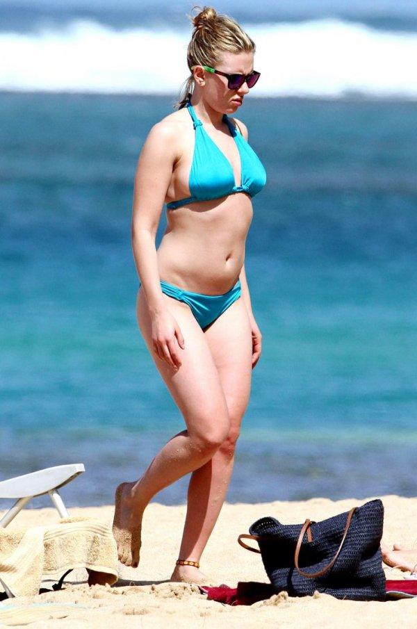 clothing,barechestedness,sun tanning,human positions,swimwear,