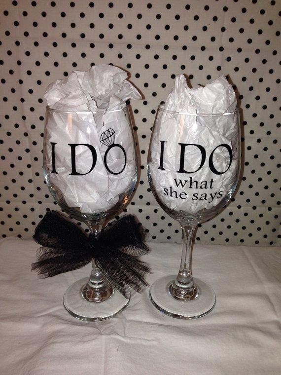 wine glass,stemware,glass,drinkware,material,