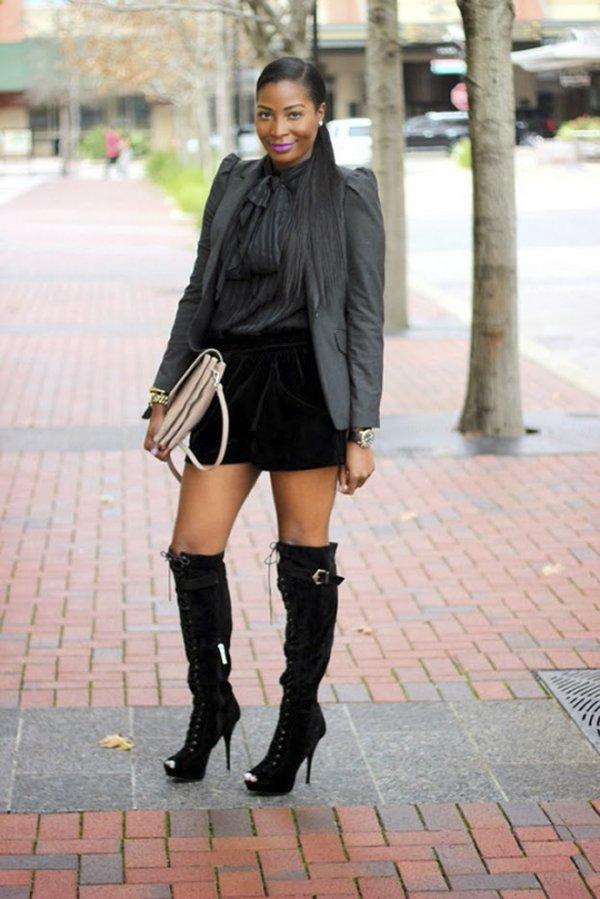 footwear,clothing,boot,shoe,outerwear,