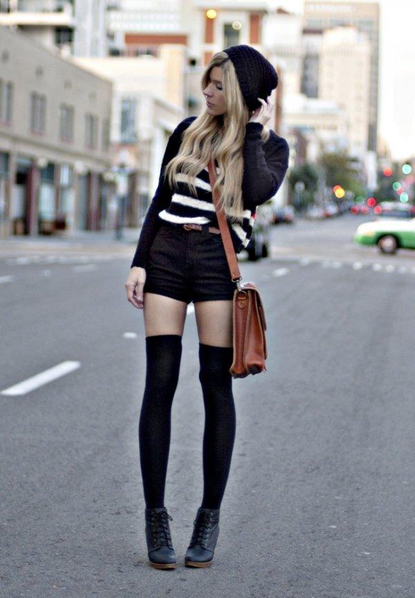 7 Street Style Ways to Wear Knee High Socks ... Streetstyle