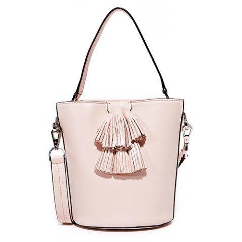 white, handbag, bag, shoulder bag, fashion accessory,