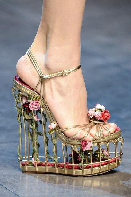 footwear,leg,high heeled footwear,shoe,spring,