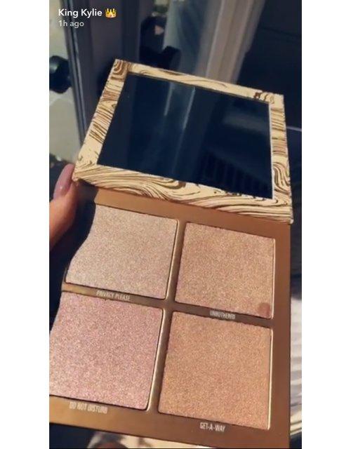 brown, eye, product, organ, wood,