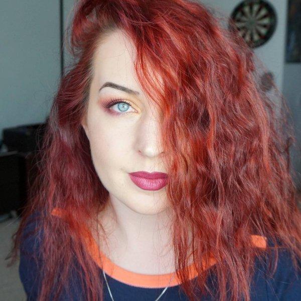 Alina's Berry Lip & Bright Shadow
