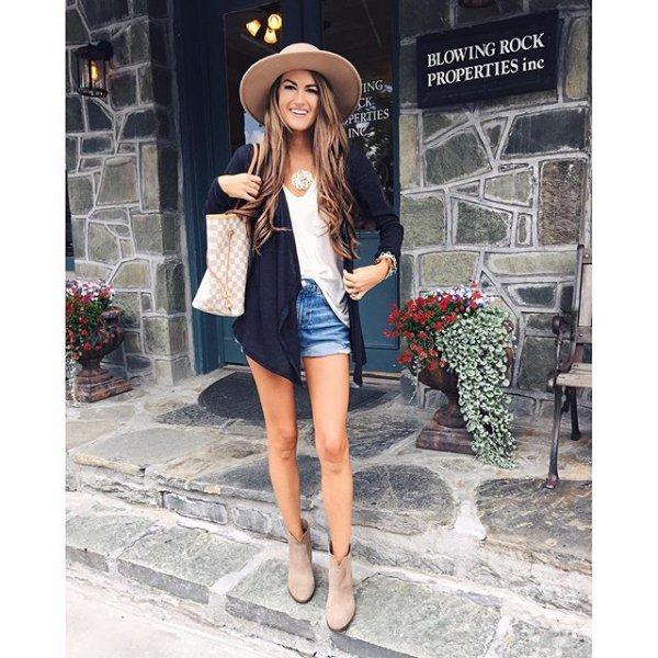 clothing, footwear, outerwear, fashion, pattern,