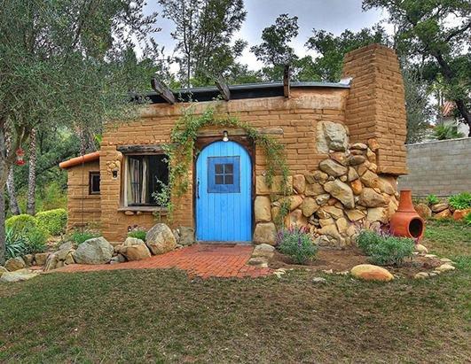 property,house,home,yard,backyard,