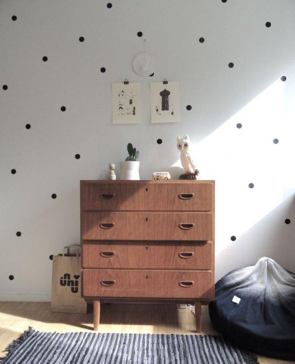 Dotted Walls Vintage Dresser