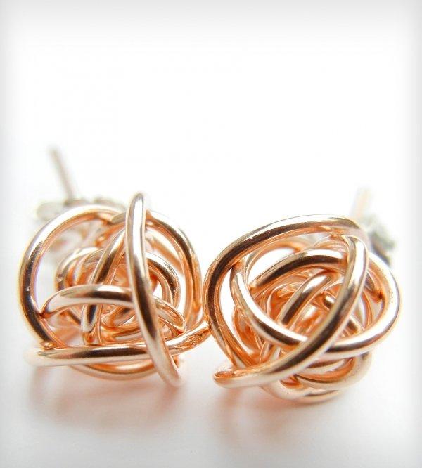 jewellery,fashion accessory,earrings,metal,material,