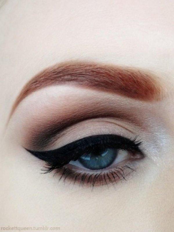 Don't Be Afraid of Black Eyeliner