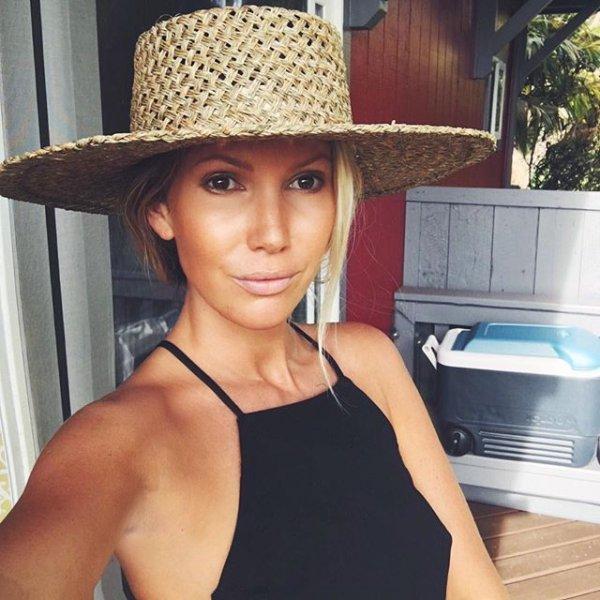 fashion accessory, sun hat, hat, fedora, headgear,