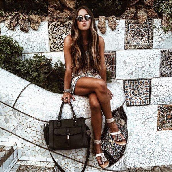 Park Güell, clothing, human positions, footwear, beauty,