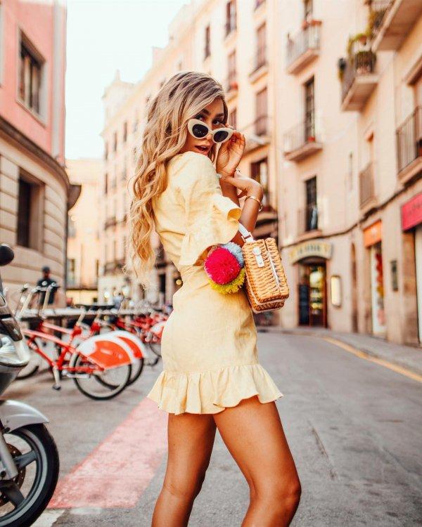 shoulder, sunglasses, eyewear, joint, fashion model,