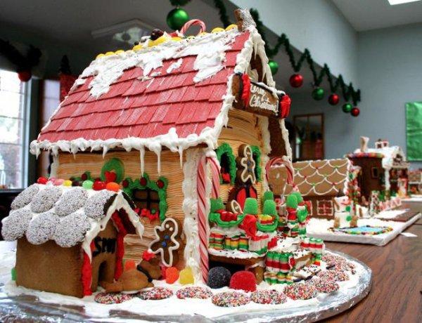 gingerbread house, dessert, gingerbread, food, christmas decoration,