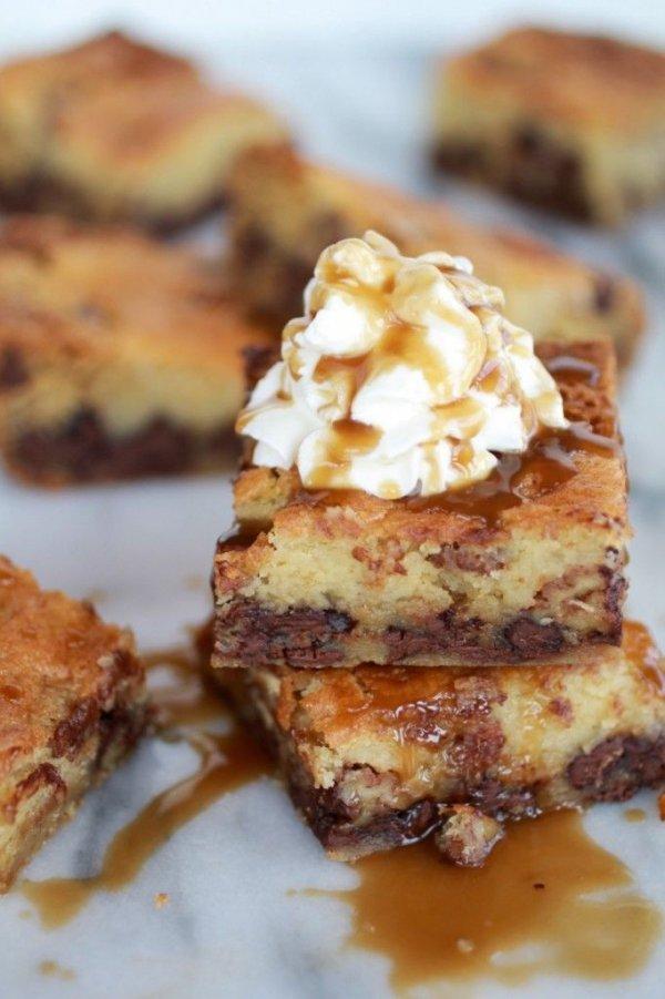 Ooey Gooey Caramel Dessert Bars