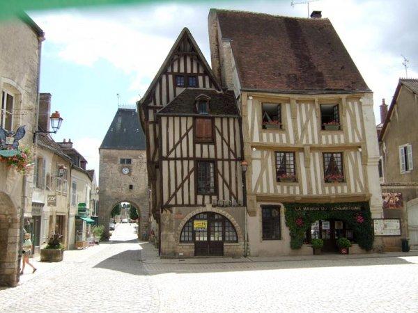 Noyers, Yonne