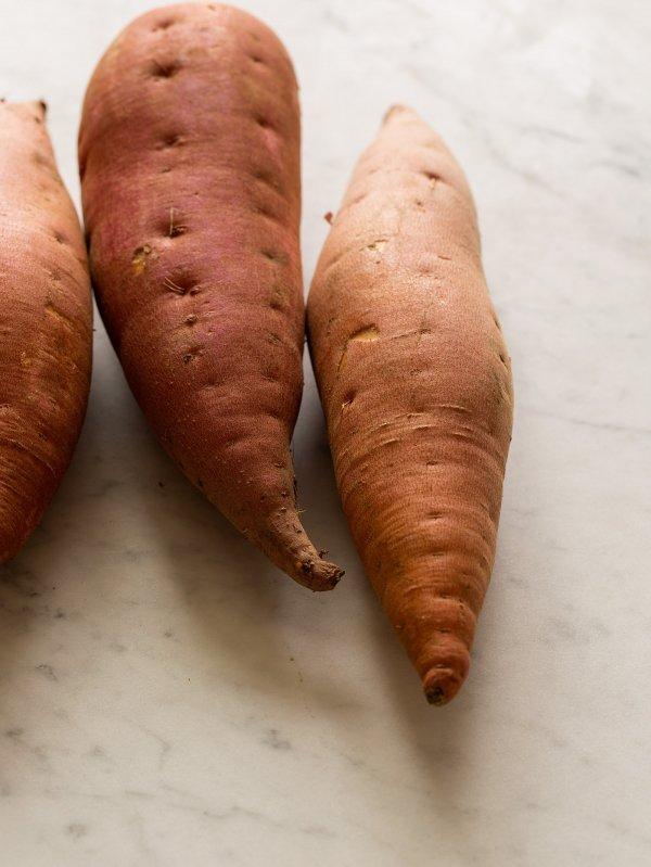 food,vegetable,produce,root vegetable,carrot,