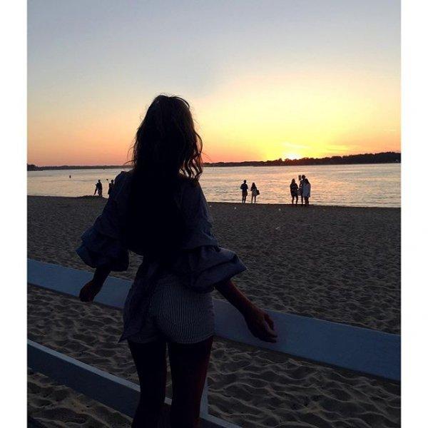 photograph, image, human positions, sunset, romance,