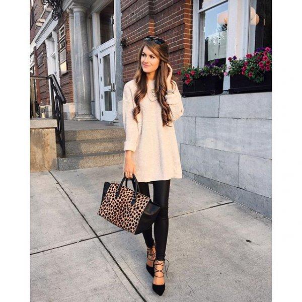 clothing, footwear, outerwear, sleeve, fur,