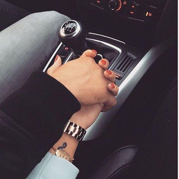 finger, arm, hand, steering wheel, leg,