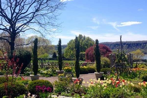 Wave Hill Garden