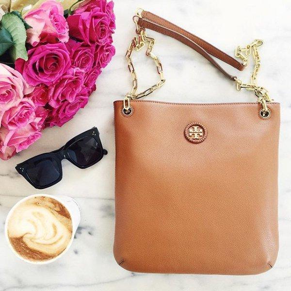 handbag, bag, fashion accessory, coin purse,