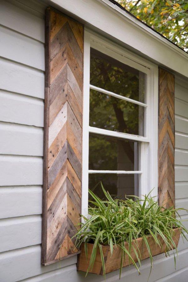 siding,wall,window,shed,porch,
