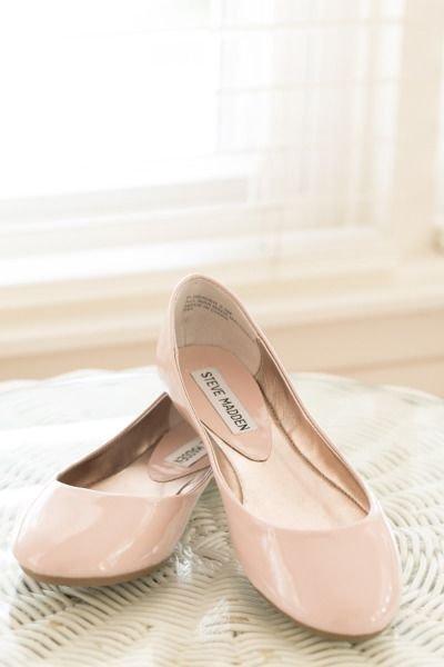 footwear,shoe,leg,ballet flat,outdoor shoe,