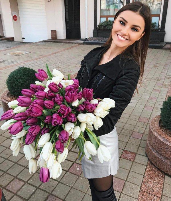 flower arranging, flower, woman, floristry, flower bouquet,