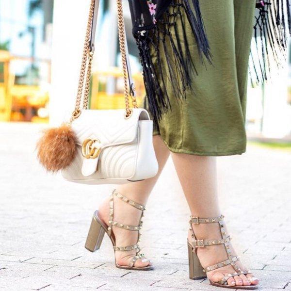 footwear, yellow, shoe, leg, joint,