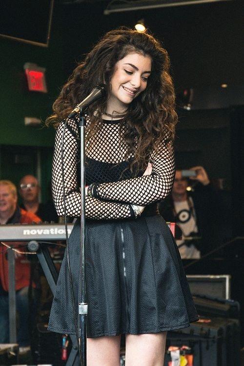 Lorde, 17