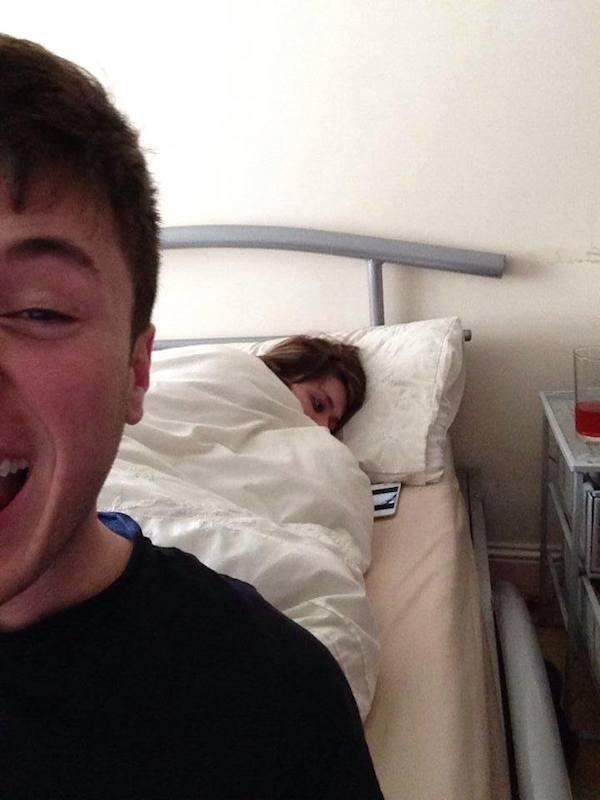 The Selfie That Makes No Sense