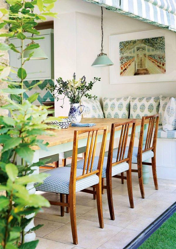 Room, Furniture, Property, Green, Interior design,