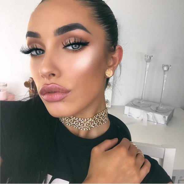 eyebrow, beauty, chin, cheek, lip,