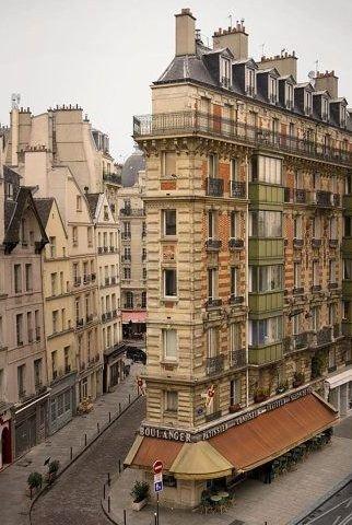 town,landmark,neighbourhood,urban area,human settlement,