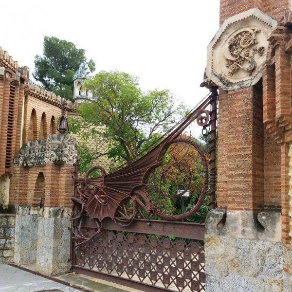property, iron, gate, outdoor structure, facade,