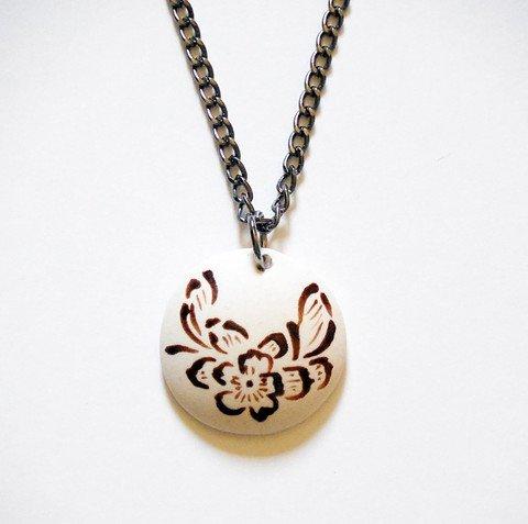 Round Copper Color Floral Necklace