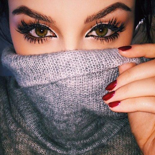 Curl Your Eyelashes