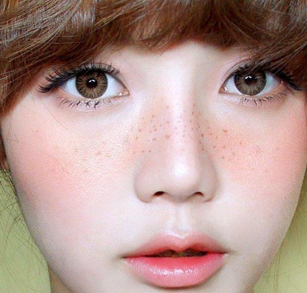 face,eyebrow,hair,nose,cheek,