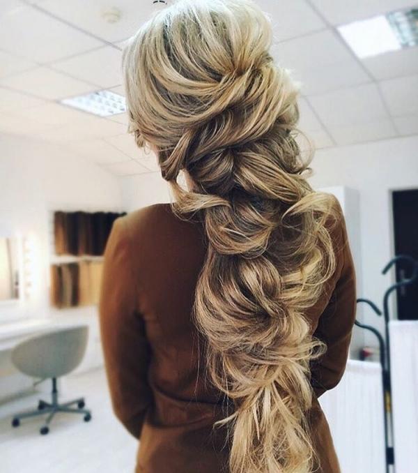 hair,hairstyle,long hair,braid,french braid,