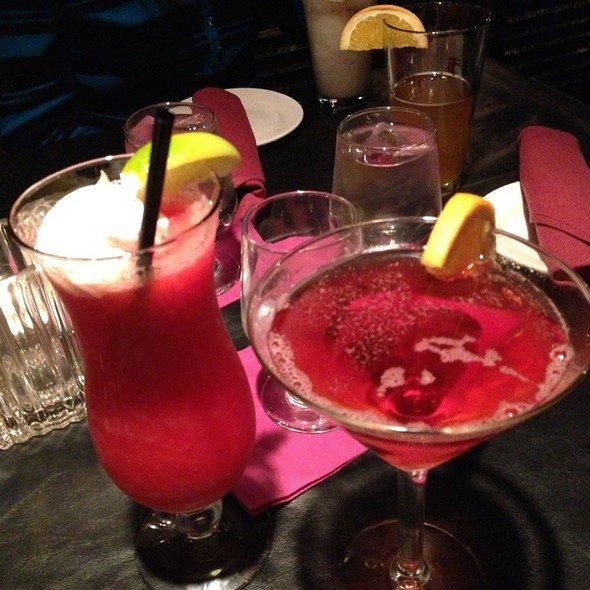 drink,alcoholic beverage,cocktail,non alcoholic beverage,cosmopolitan,