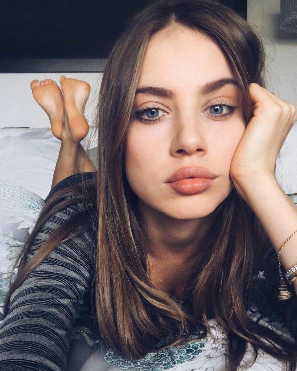 eyebrow, beauty, human hair color, fashion model, supermodel,