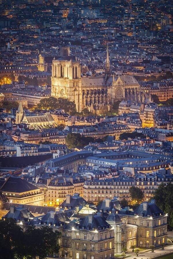 cityscape,metropolitan area,city,metropolis,landmark,