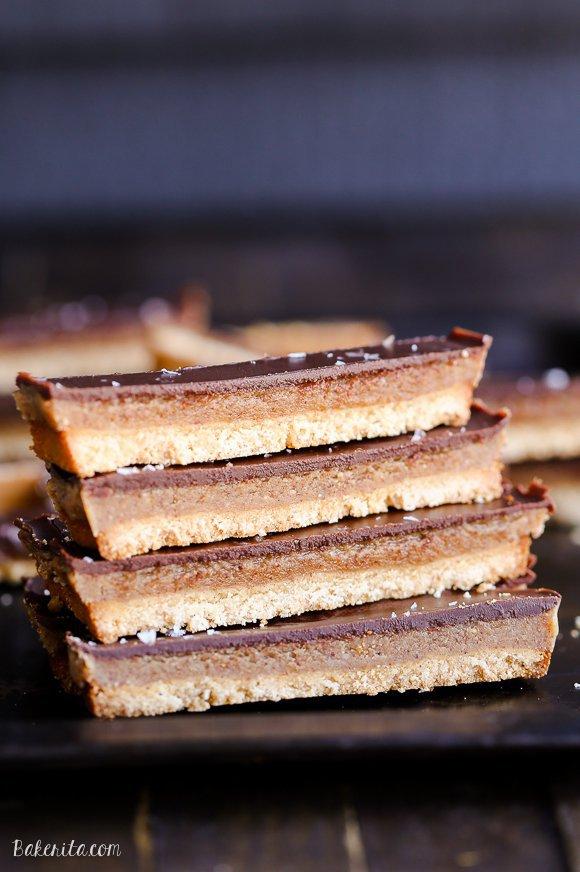 dessert, caramel shortbread, treacle tart, wafer, baked goods,
