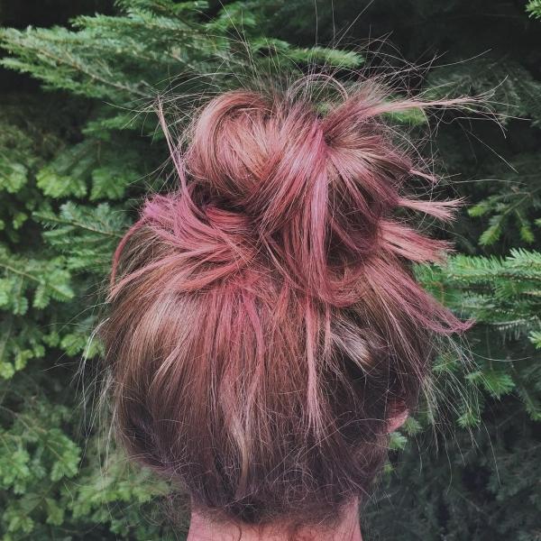 hair,hairstyle,hair coloring,long hair,flower,