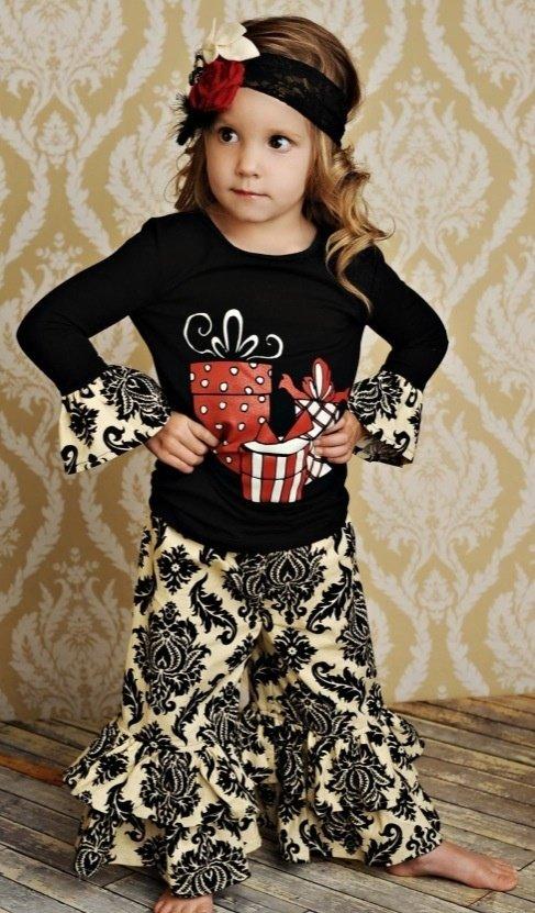 0745a8e9e 21 Adorable Christmas Outfits for Kids ...