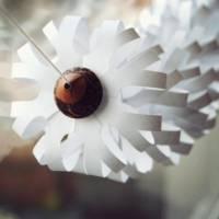 17 Snowflake Crafts to Make This Winter Something to Remember ...