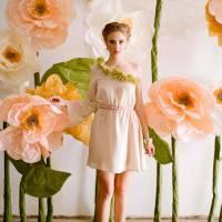 8 Delightfully Gorgeous DIY Giant Flowers ...